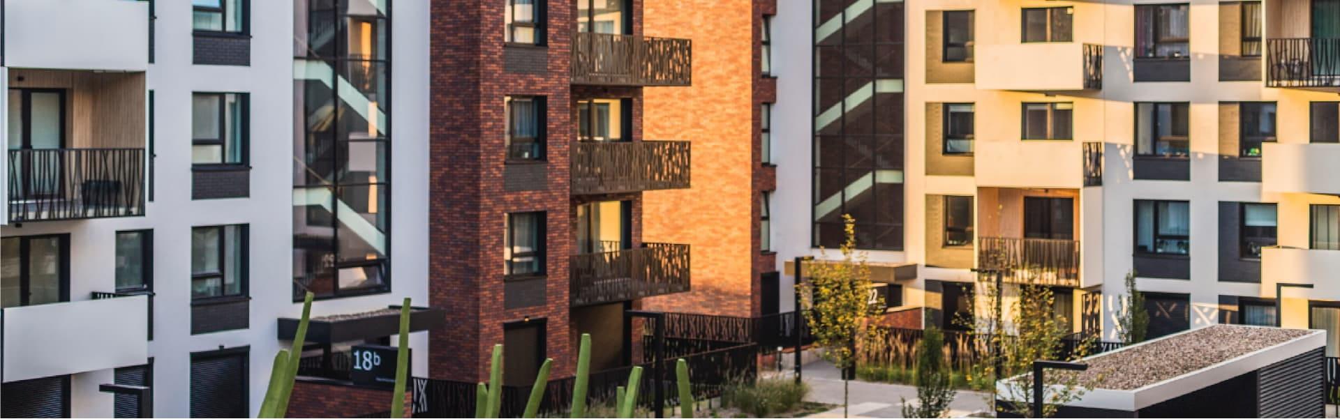 Puertas para edificios y comunidades de vecinos
